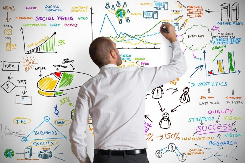muzhchina-s-biznes-planom-man-with-a-business-plan-2